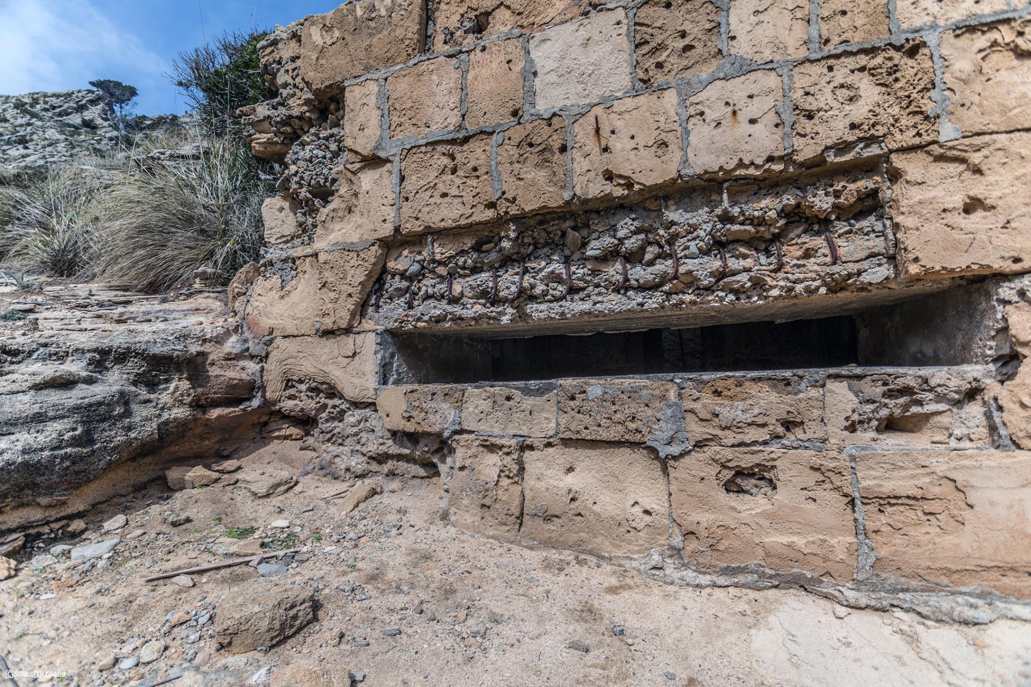Bunker in der Cala Figuera_02