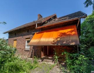 Das Haus an der Bahnlinie