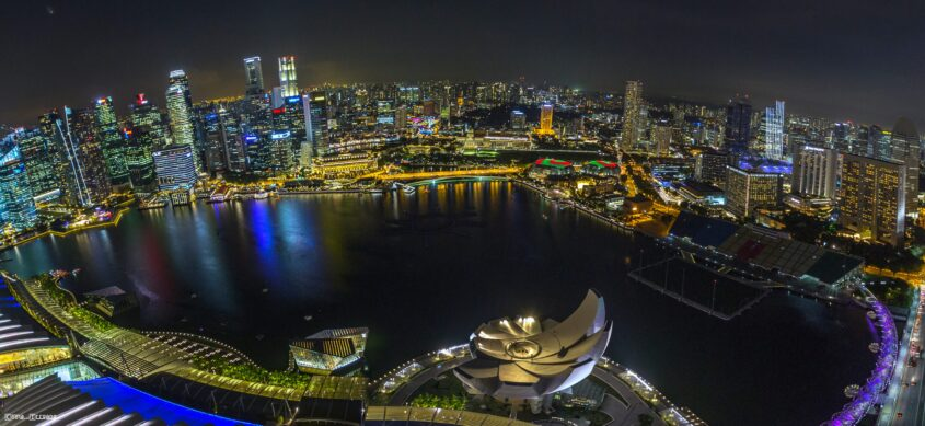 Skyline Singapur vom Marina Bay Sands Hotel