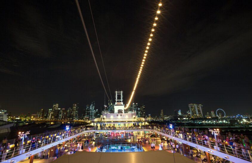 Skyline Singapur vom Kreuzfahrtschiff